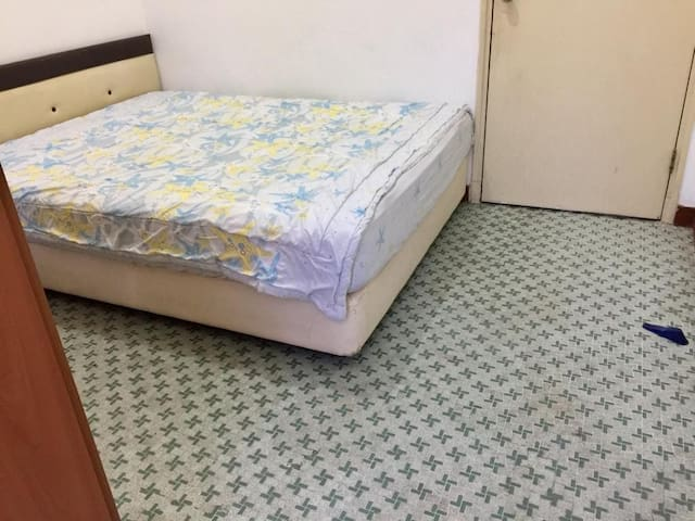 Common room for rent at East Coast Road