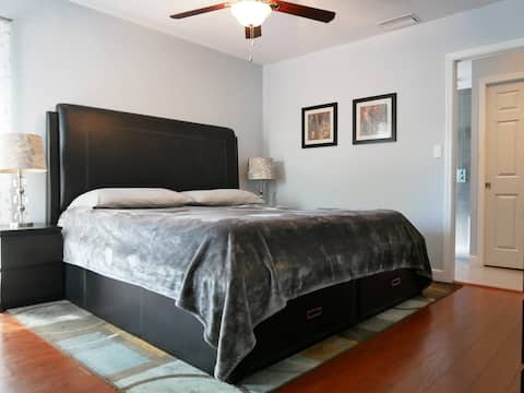 Welcome to your Cozy Retreat in Largo!