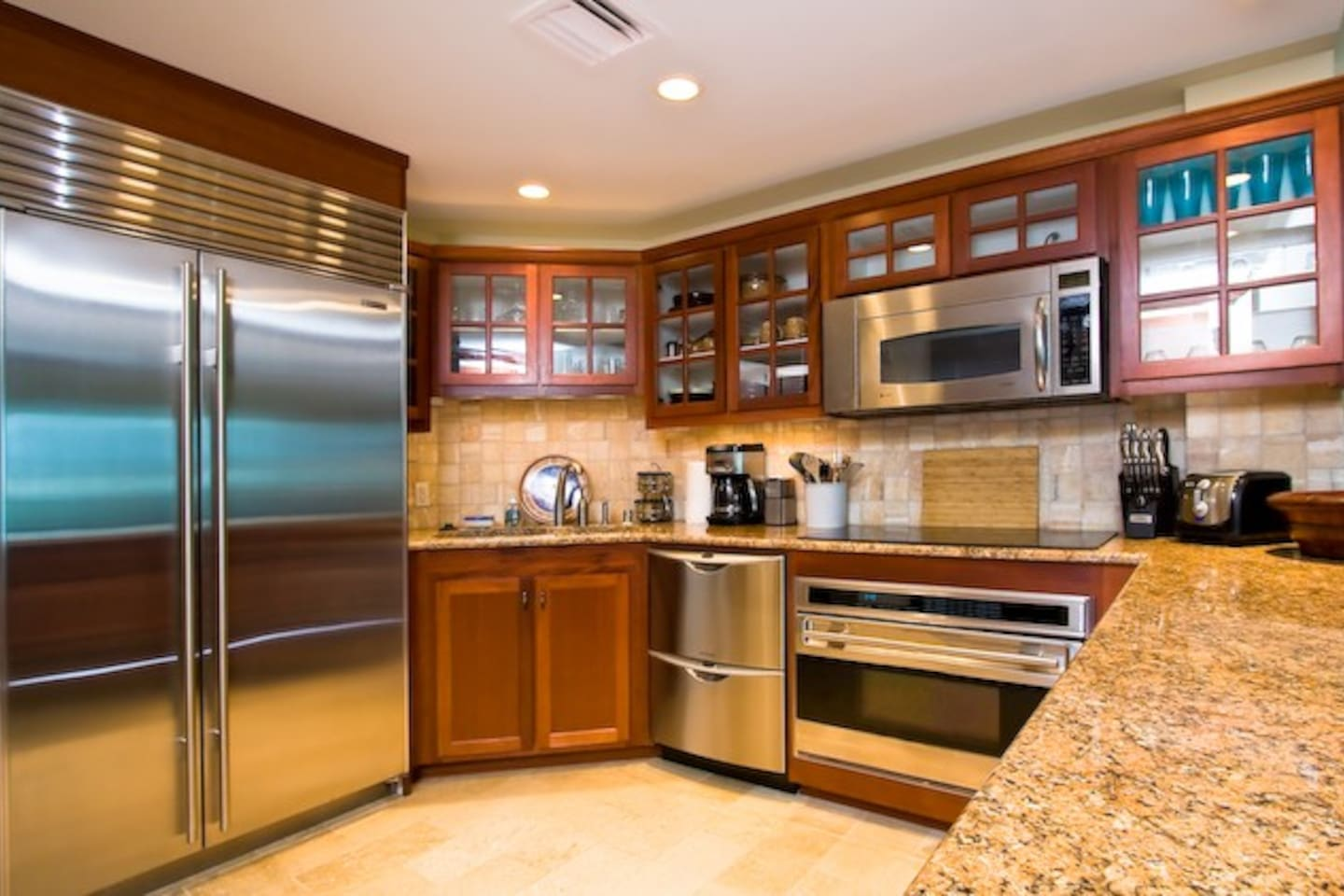 Fully Equipped Chef's Kitchen