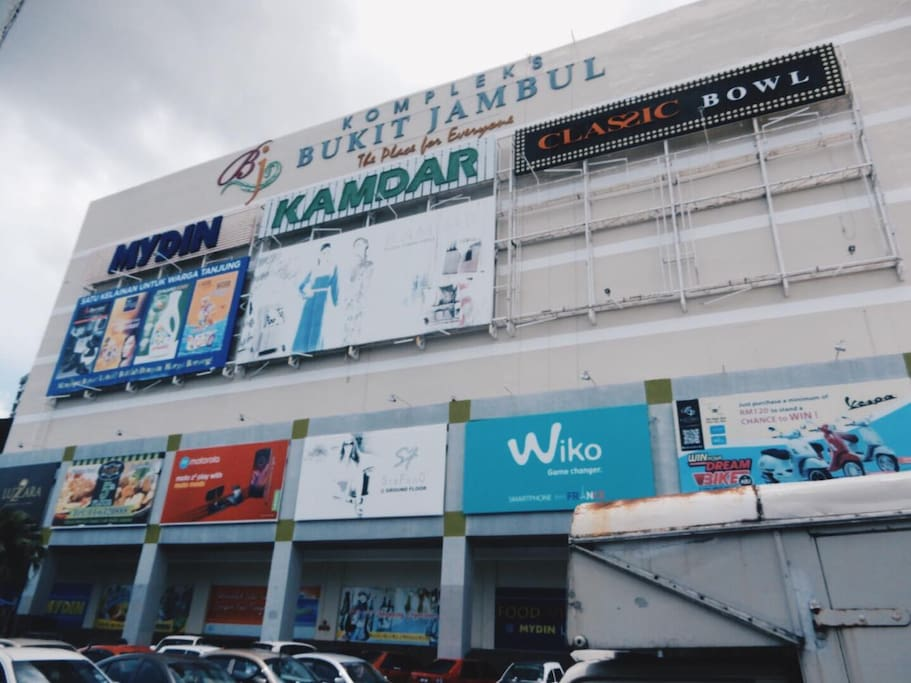 Apartment is next to Bukit Jambul Mall