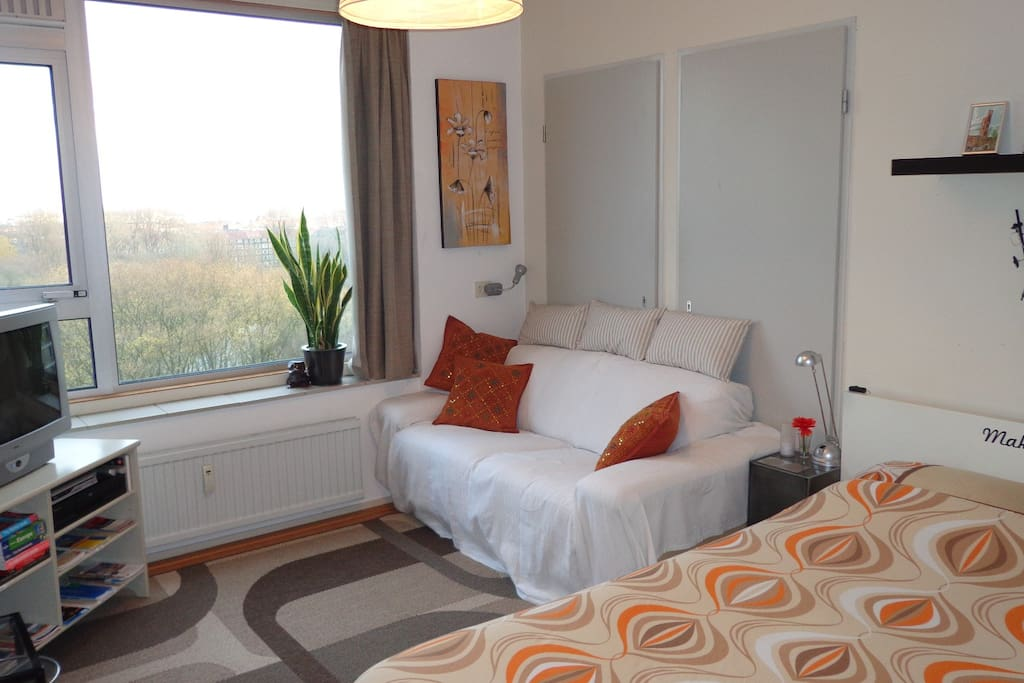 Peaceful rooms amsterdam with view appartamenti in for Appartamenti in affitto amsterdam centro