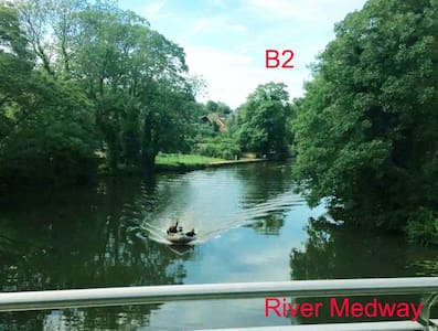 Maidstone TownCentre Room Free evening Parking B2