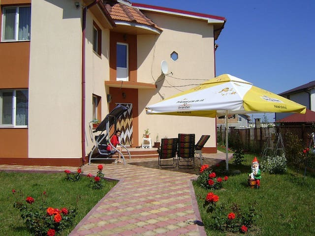 Private room in a villa - Mangalia - Lejlighed
