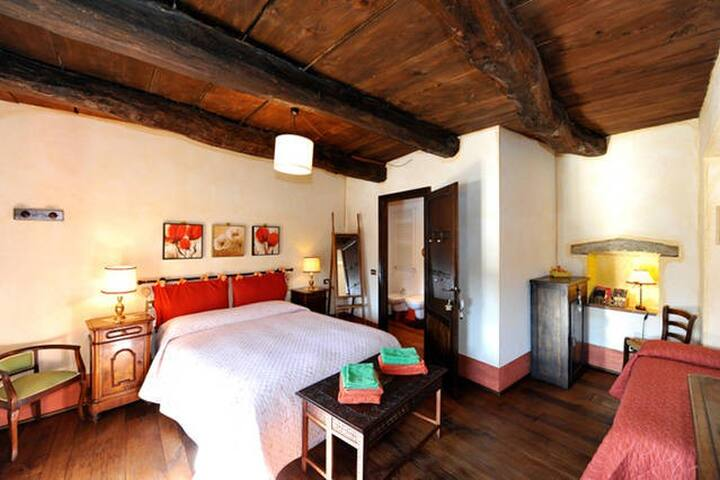 Room near lake Maggiore (S) - B&B - BORGO TICINO - Bed & Breakfast