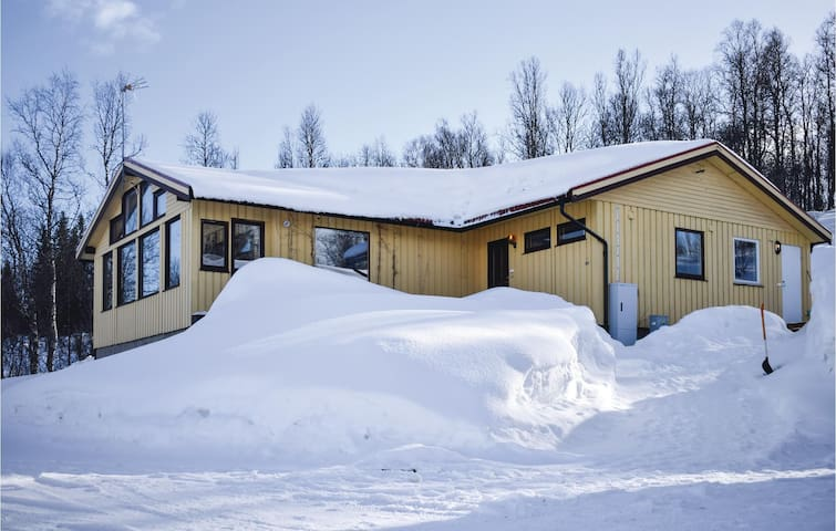 Holiday apartment with 1 room on 30m² in Finnsnes