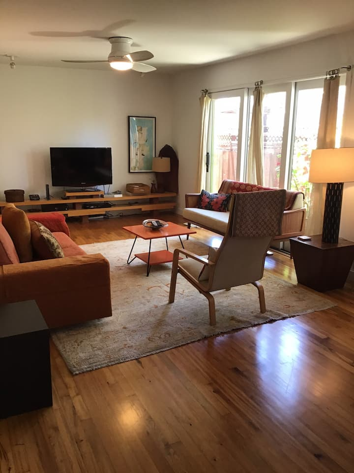 Venice Beach Hideaway . Entire ground floor unit