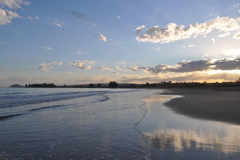 Beach 2 mins or 250 mtr easy walk - Photo taken Oct 2018