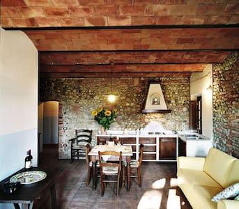 Casa d'Era - Appartamento Rigoletto - Lajatico