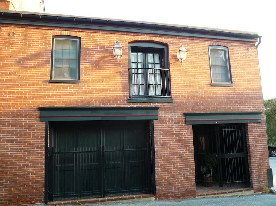 Carriage house in center city Lancaster