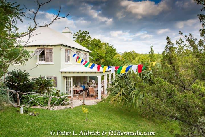 Spirit House Bermuda - Devonshire - Ev