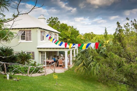 Spirit House Bermuda - Devonshire