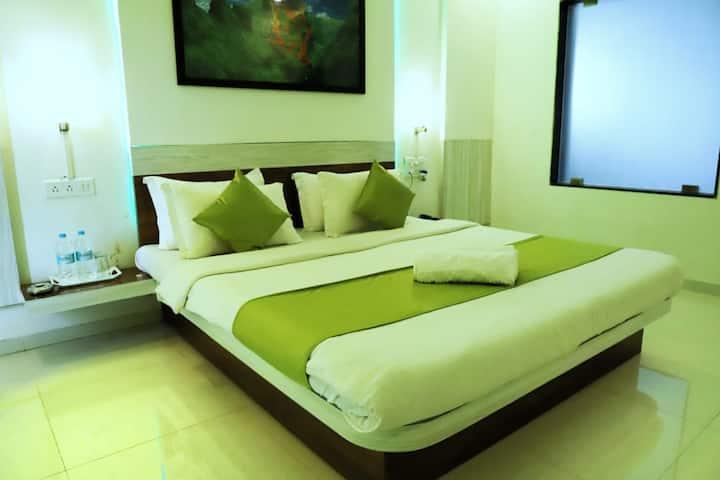 Hotel Vishal Niwas (Deluxe Room)