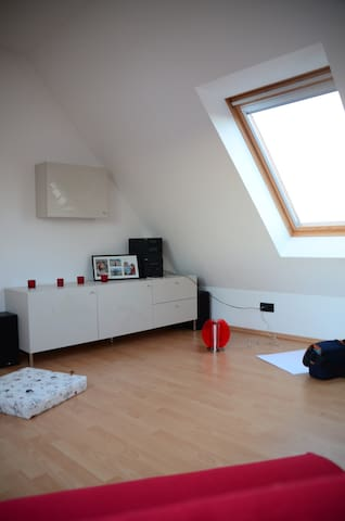 Stylish studio, only 10 km to fair - Pattensen - Bed & Breakfast