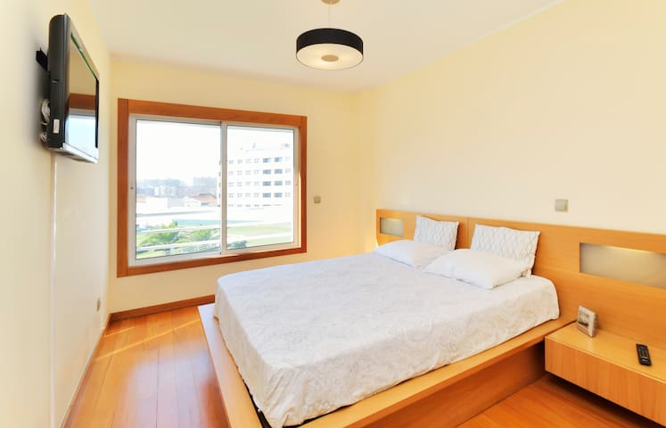 Room between the beach and downtown - Matosinhos - Apartment