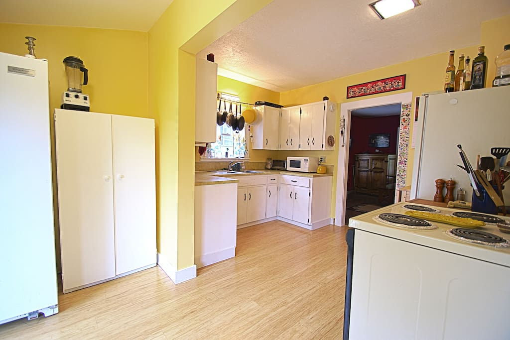 Kitchen shot from adjoining laundry room