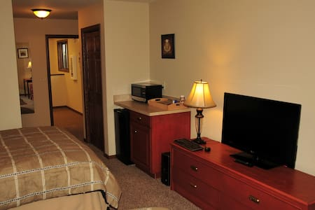 Spacious & Quiet Room Available #3