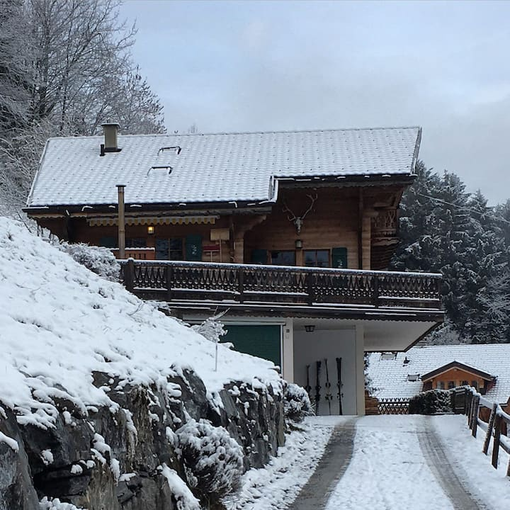 Large, cosy, comfortable chalet