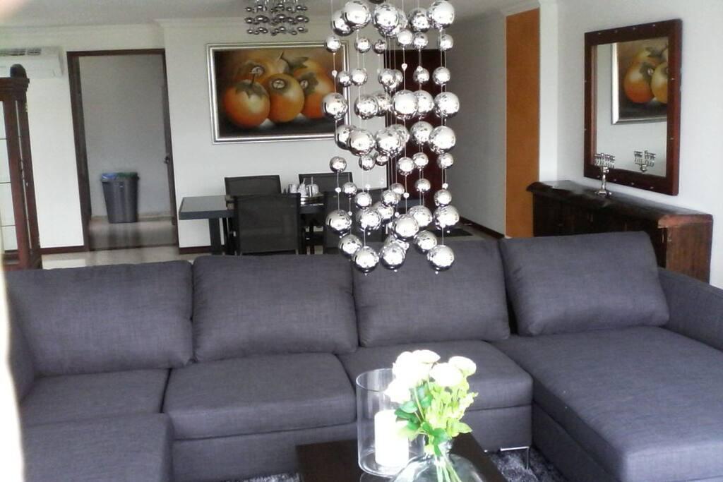Elegant decorative pieces