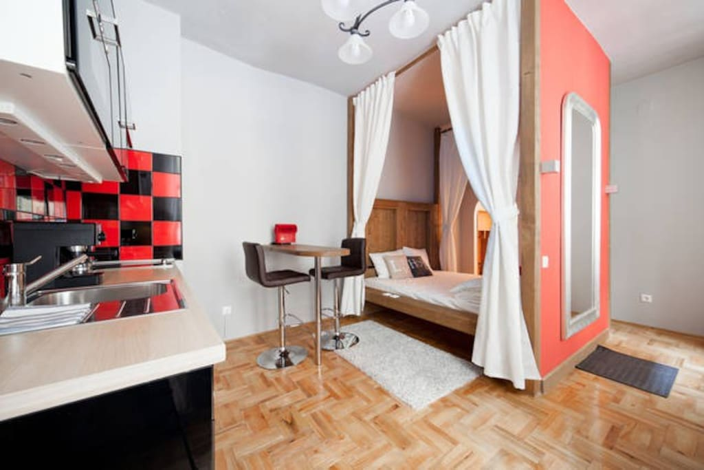 Red Gate Silver studio apartment, with Internet/freeWIFI, modern and fully equipped