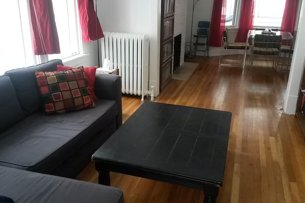 Living room with fold-out-couch