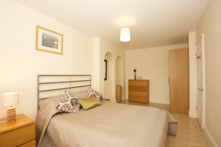 Spacious Oxford One Bed Apartment