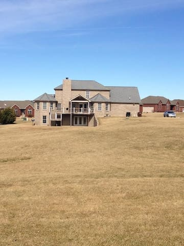 AMAZING GET AWAY RENTAL HOUSE - Spencer County