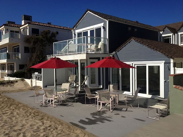 Charming beach house 1-hour from LA