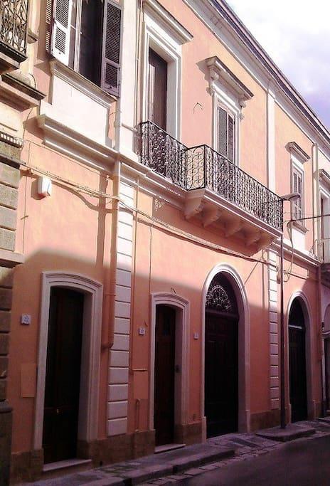 facciata Palazzo Mazzotta - front of Mazzotta palace