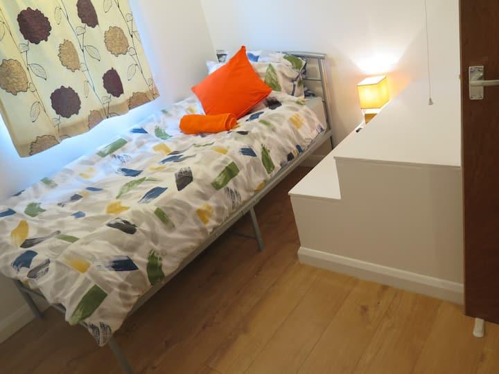 Worcester House single room 3B