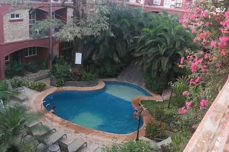 Private room in center of Tamarindo