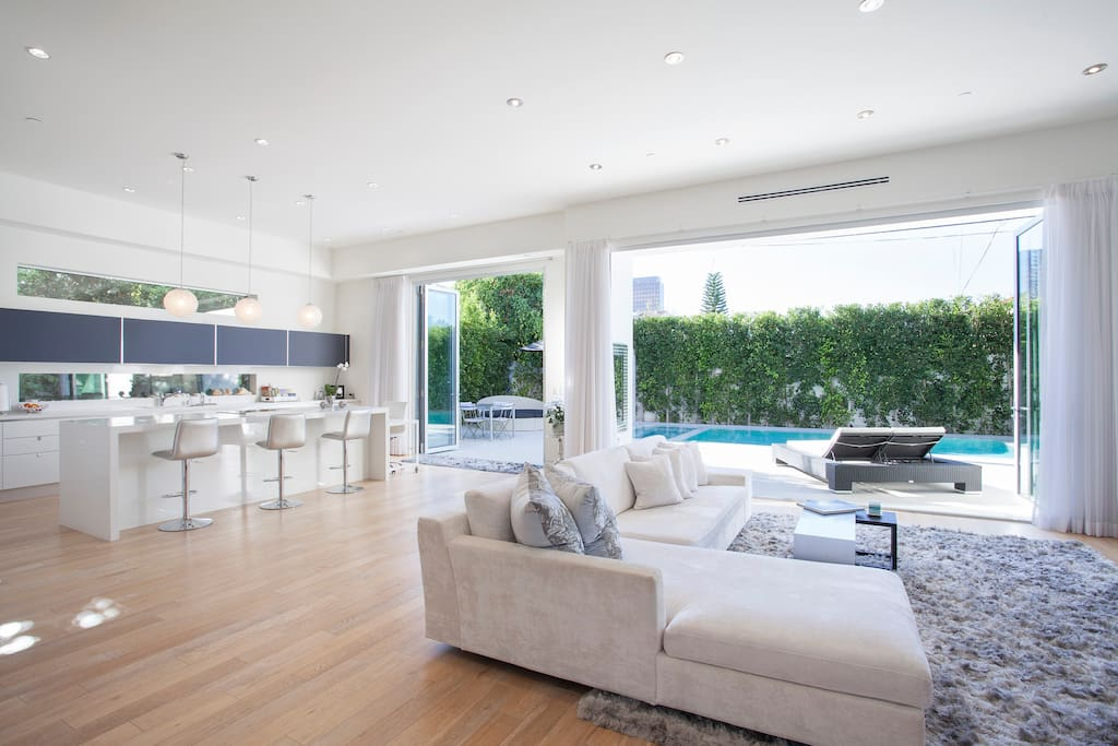 Open Floor Living Room and Kitchen