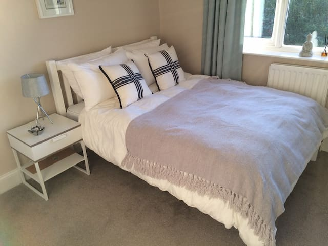 Double room in Kingswood