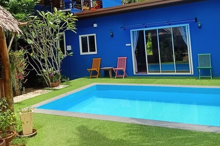 Poolvilla in tropical garden Koh Lanta Longbeach