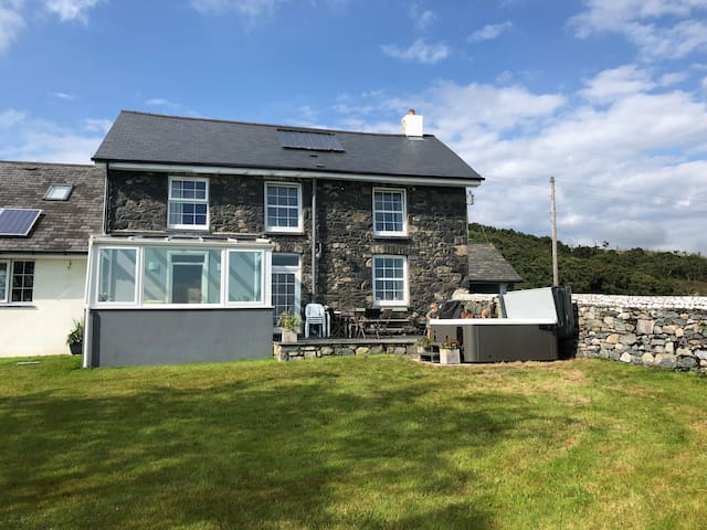 Mynydd Gorddu - idyllic views, log burner, hot tub