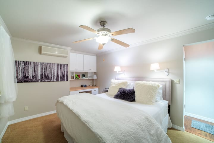Master Bedroom.  King sized bed with exquisite linens.
