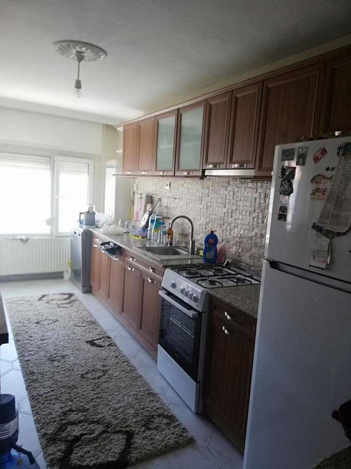 Karşiyaka bostanli da aileden oda.