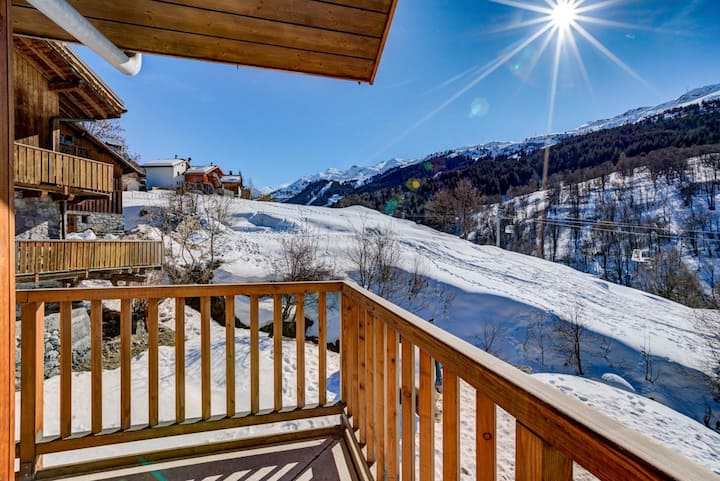 Fantastic Luxurious Chalet with Indoor Sauna and Hot Tub in Méribel