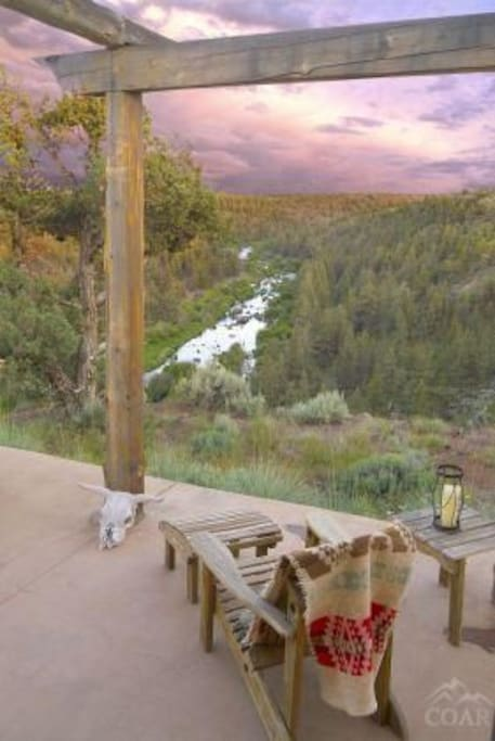 Relax on the Patio: Awesome view of the river for your next trip to Bend!
