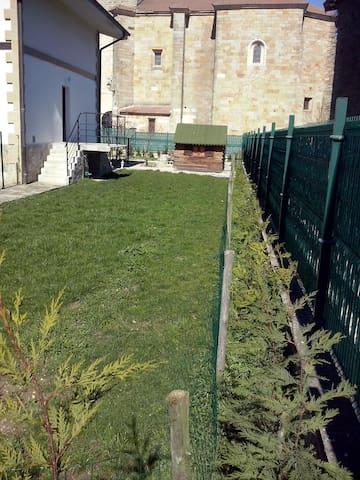 Casa con jardin (Chambre-BedRoom) - Eguilaz-Egilatz - Townhouse