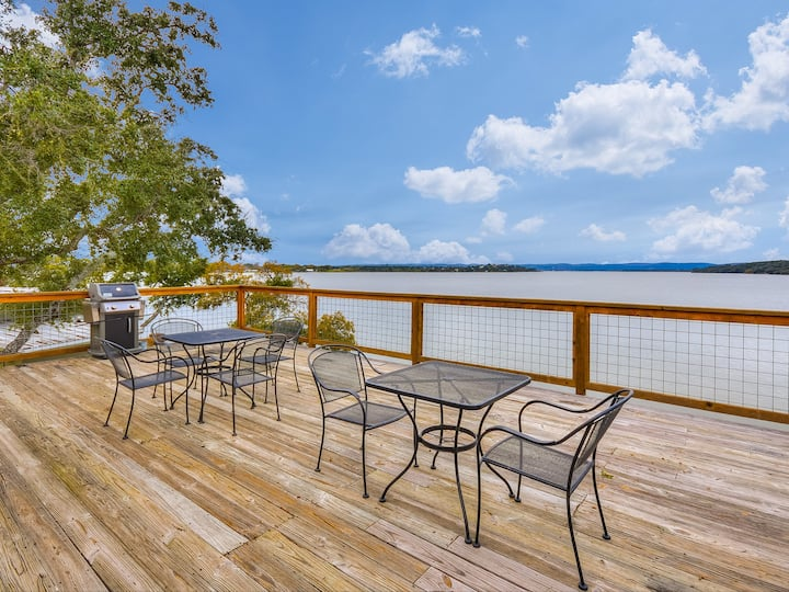 Lake Side Deck Suite with Lake Buchanan Sunsets!