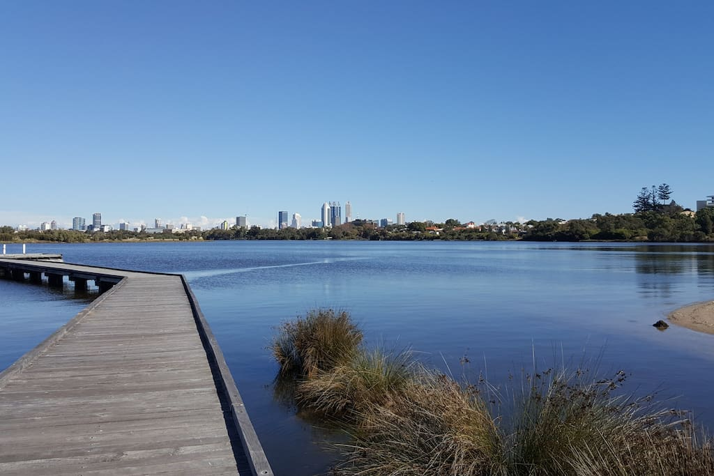 Location, location....Swan River is a 10 min walk away