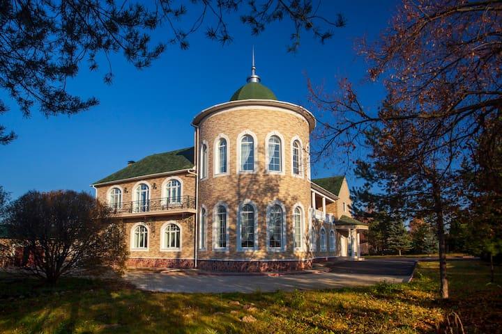 Шикарный загородный дом в Сергиевом-Посаде