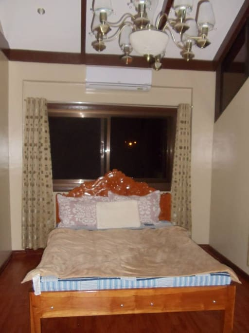 The 4th bedroom airconditioned.