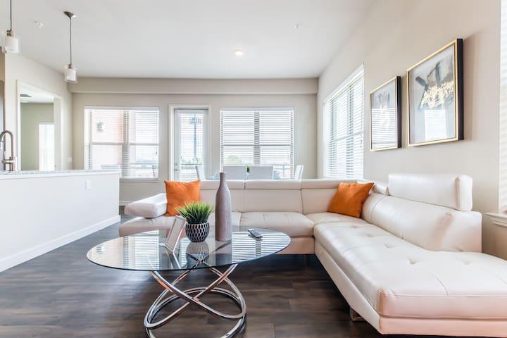 Luxury Condo In The Center of Uptown Dallas