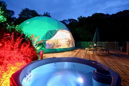 Sunridge Geodome with private Hot tub