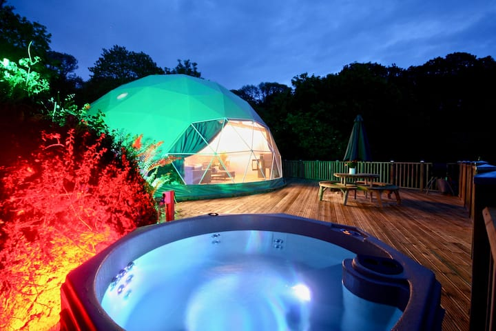 Sunridge Geodome with private Hot tub