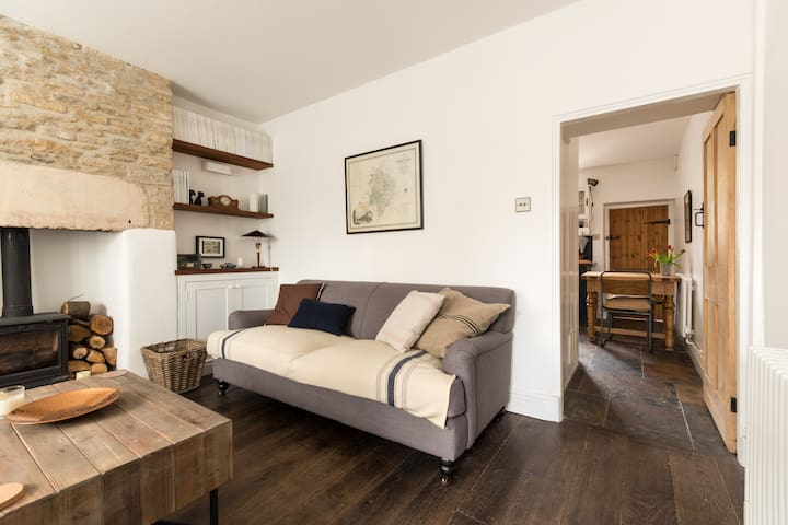 Cotswolds Stone Cottage, Tetbury - Tetbury - House
