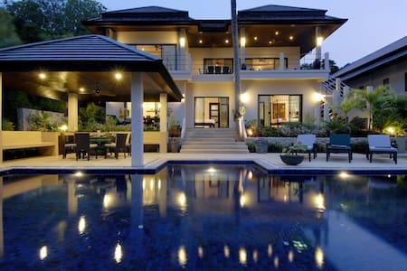 EMERALD VILLA: 7 Bedroom Private Pool Near Beach - ラワイ