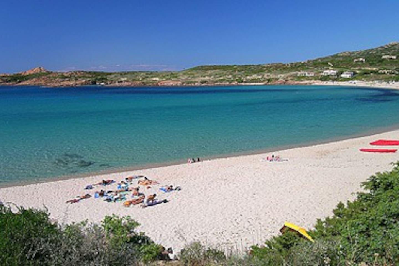 Spiaggia della Marinedda all'Isola Rossa ( a 5 minuti )