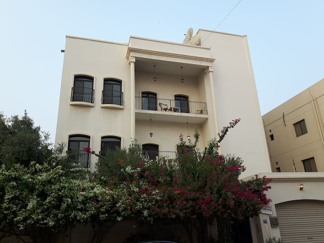 The flat with the homely feel - Manama - Huoneisto